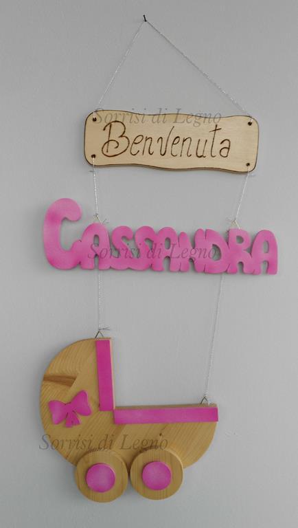 Culla-fiocco-nascita-rosa-nome-legno-Cassandra