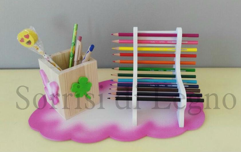 base-con-panchina-pastelli-e-portapenne