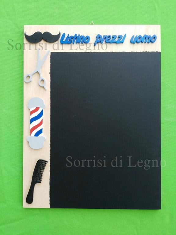lavagna-personalizzata-in-legno-per-negozio-di-parrucchiere