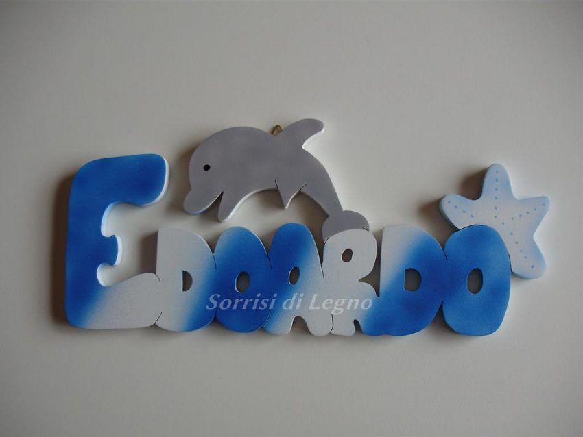 Nome in legno edoardo con delfino e stella sorrisi di legno for Scritte in legno nomi