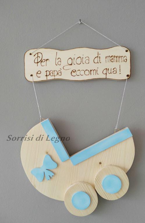 Culla fiocco nascita azzurro sorrisi di legno oggetti for Culla azzurra