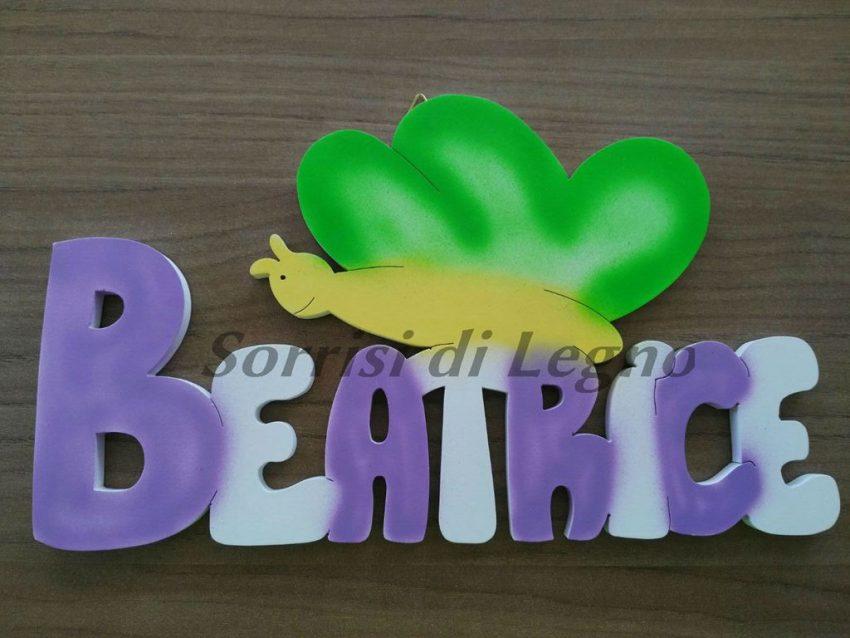 Scritta in legno nome beatrice con farfalla sorrisi di legno for Scritte in legno nomi