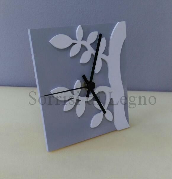 orologio-con-albero-bianco-base-grigio2