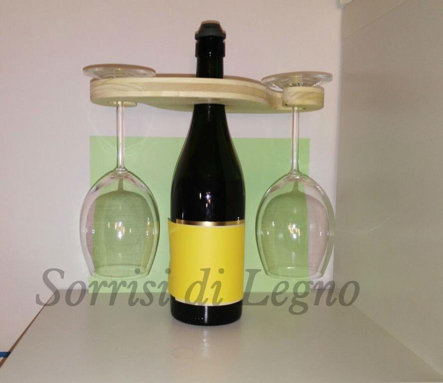 Porta bicchieri da bottiglia in legno naturale sorrisi for Bicchieri in legno