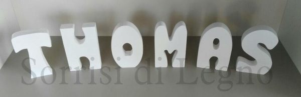Lettere in legno con il nome Thomas