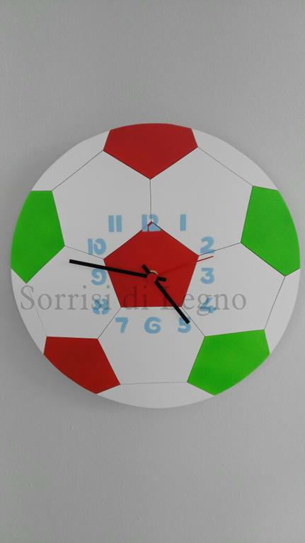 Orologio a forma di pallone con i colori della nazionale